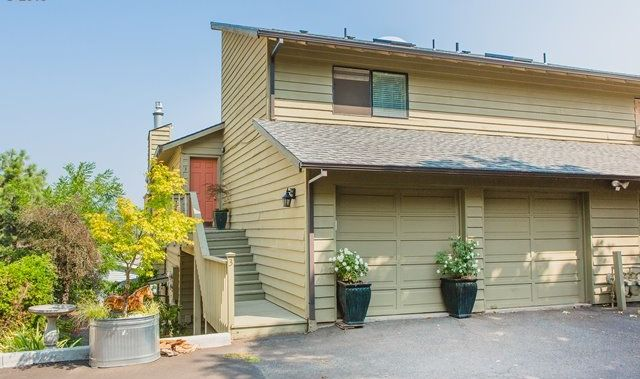 1502 Lincoln St Unit 3 Hood River Price Drop