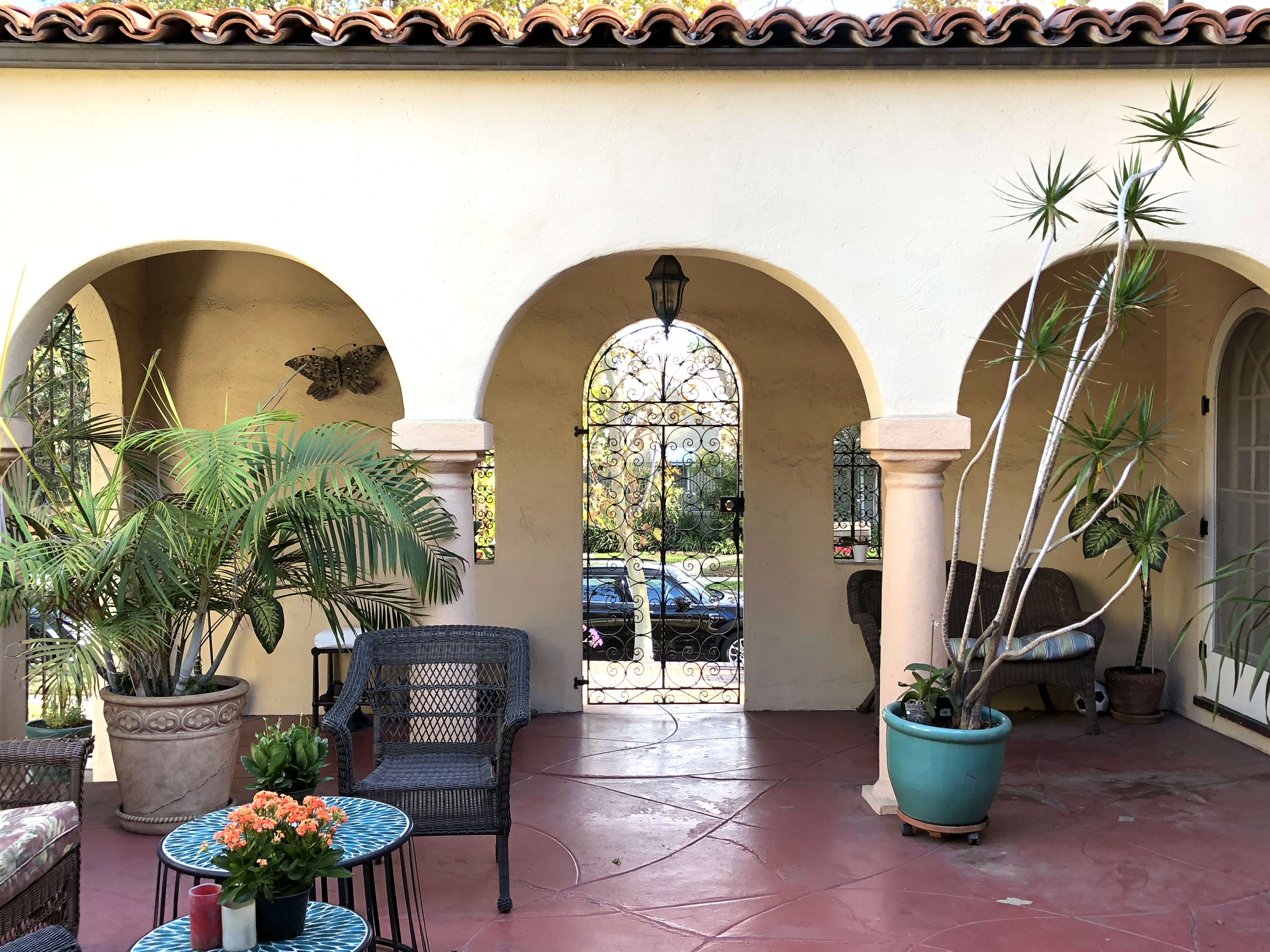 POCKET LISTING ALERT: Beautiful Spanish in The Miracle Mile