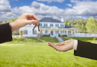 Is This Your Situation: Is It Risky to Buy a New Home Before Selling My Current One?