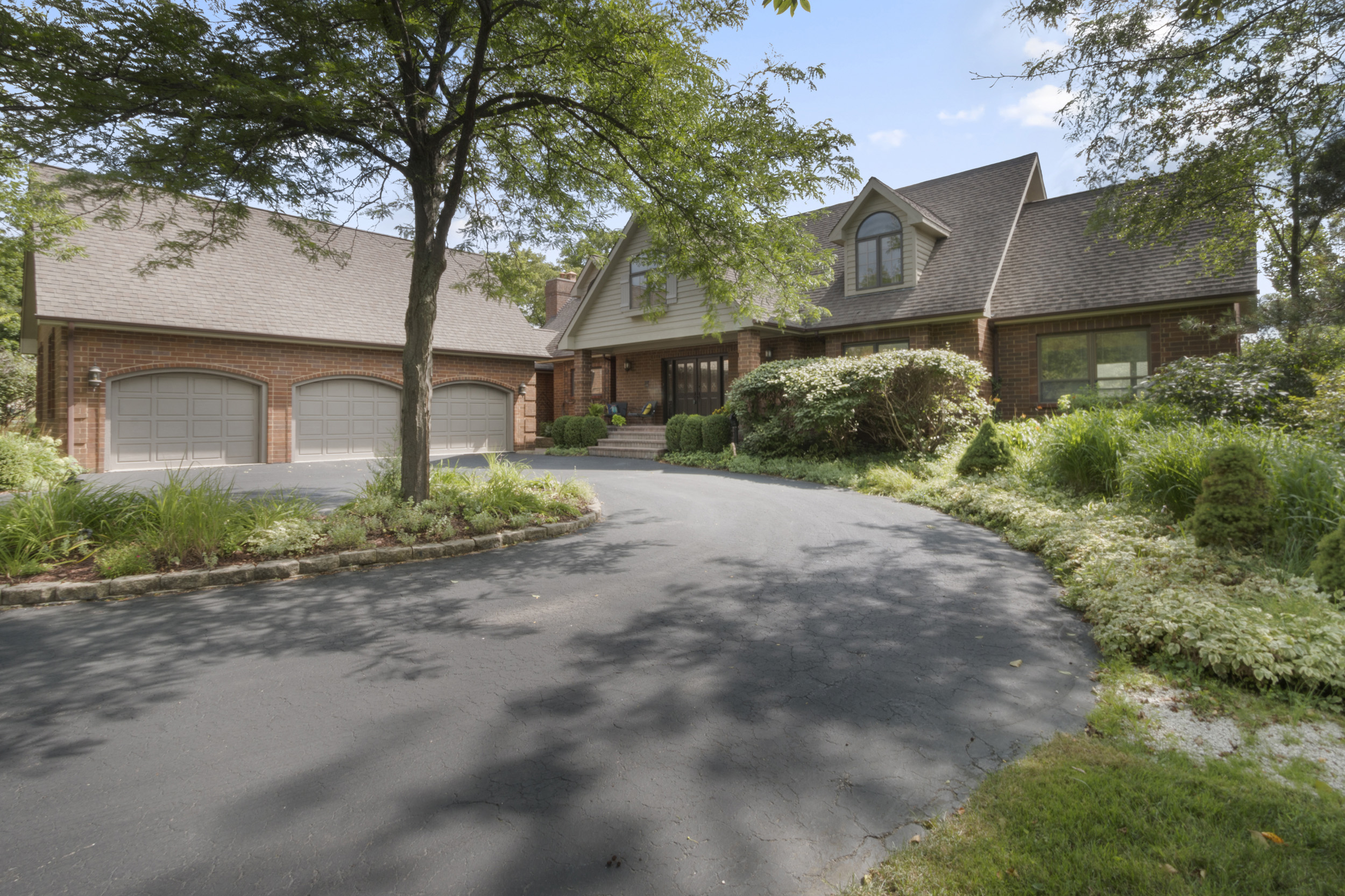 New Listing! 5BR, 5BA With Views of Palmer 6 and 7 Fairways | 1085 Geneva National Ave, Geneva National WI