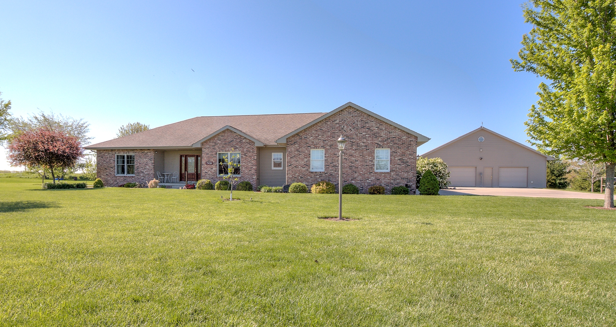 7938 Heron's Glen Ct, Wapella – $375,000