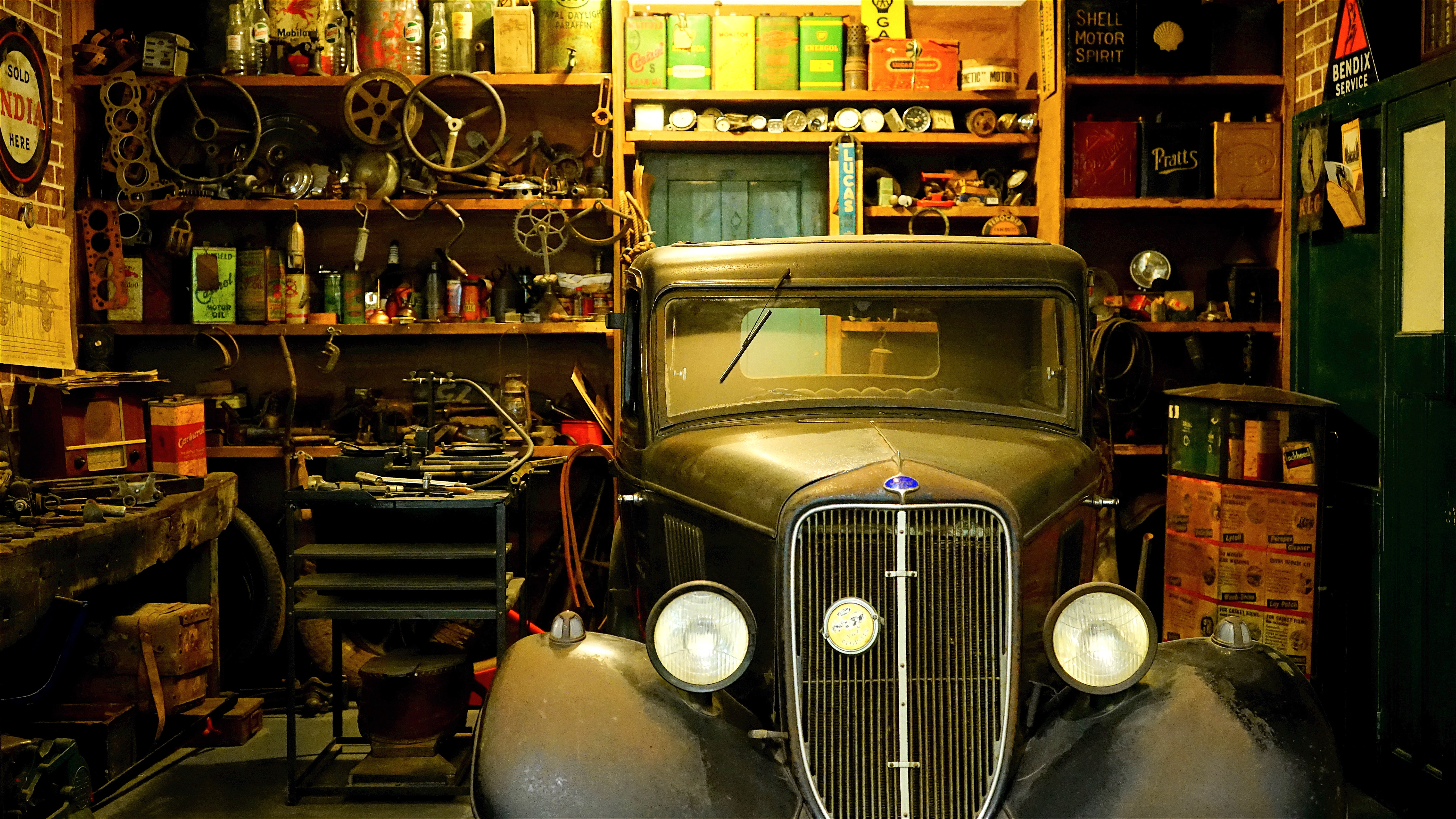 Space Saving Tips for your Garage