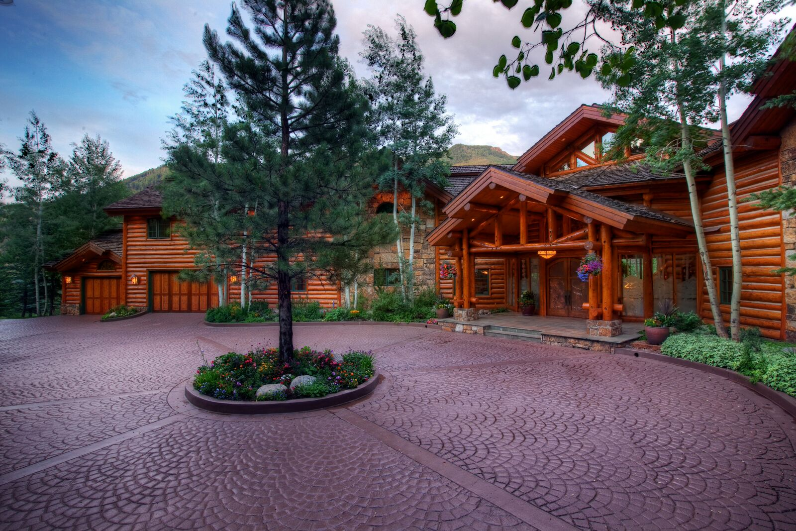 Majestic Mountain Home Close To Aspen Schools