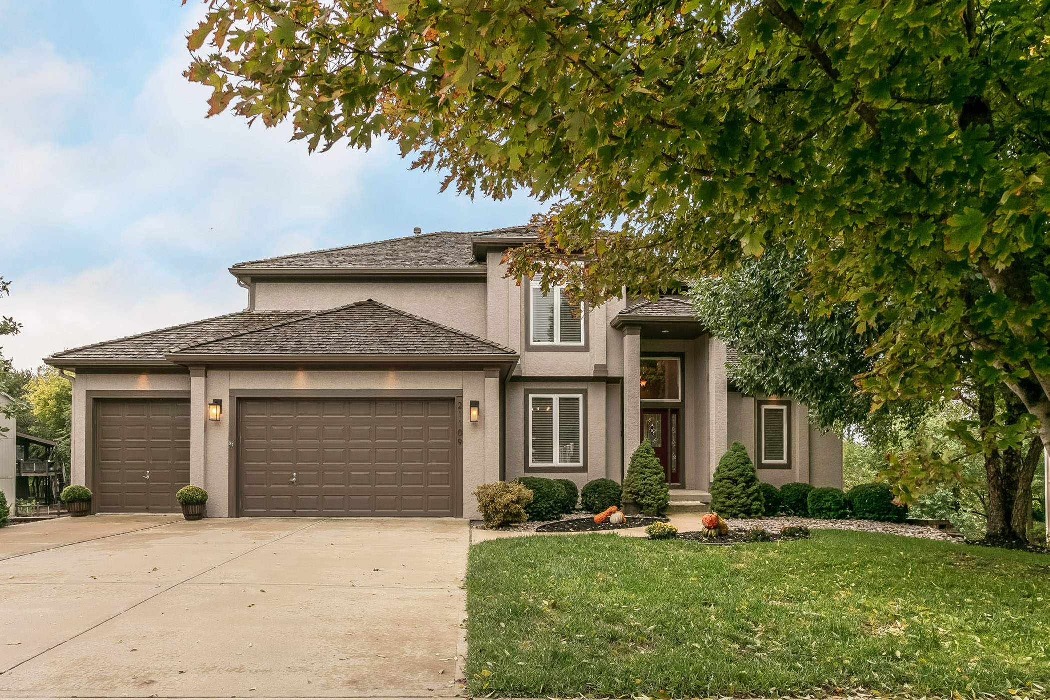 Just Listed, 1st Open Sat 10/13 12-2pm – 5BR Beauty in Bristol Ridge