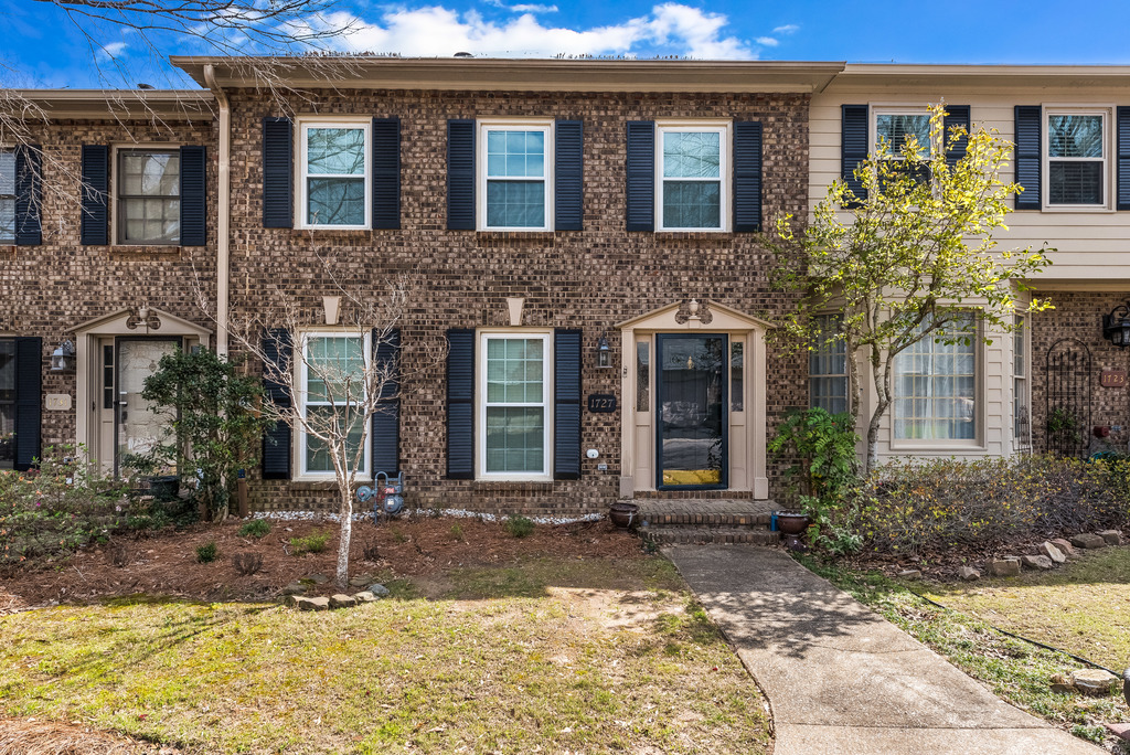 Seller in Riverchase THRILLED with sale of townhome!