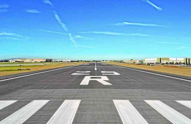 Long Beach Airport Eyes $19 Million Runway Project, To Be Mostly Paid For By FAA Grant