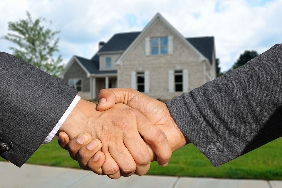THE TOP 3 QUESTIONS TO ASK POTENTIAL AGENTS WHEN SELLING YOUR HOME