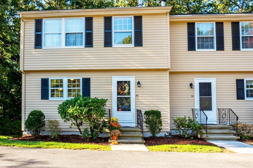 20 1/2 Webb Street Middleton, MA - Commonwealth Properties Real Estate Melrose, MA