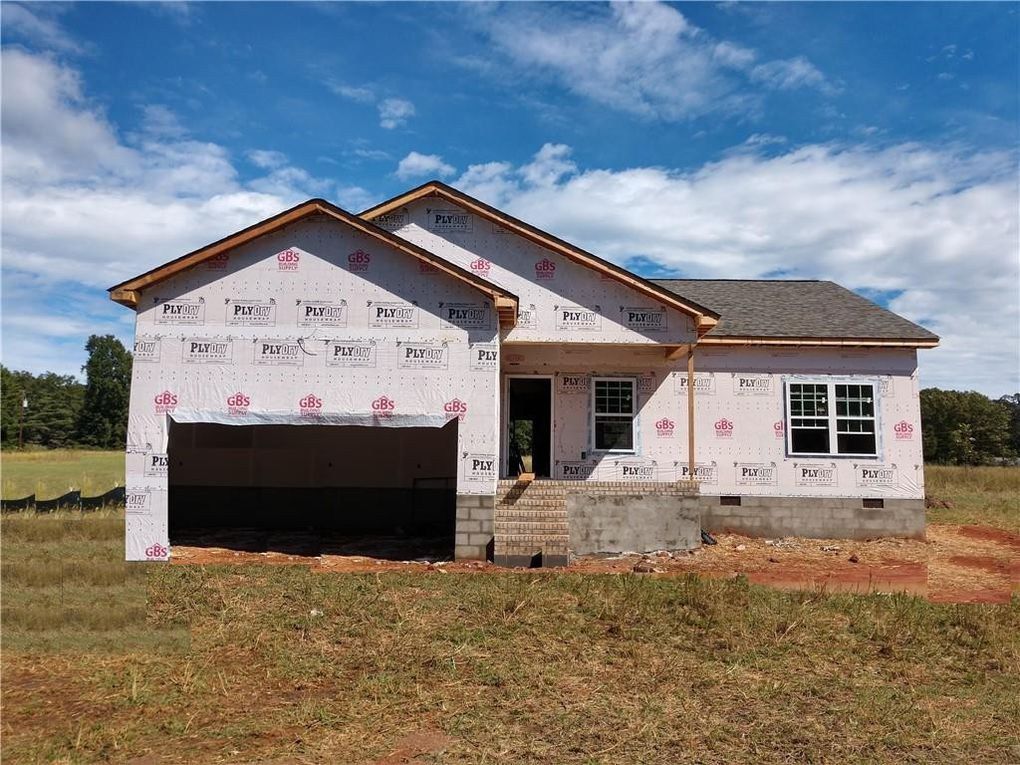 409 Addison Circle, Pelzer, SC 29669 – Move in by Thanksgiving!