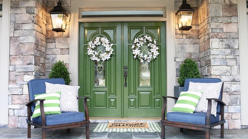How to Create a Welcoming Front Porch