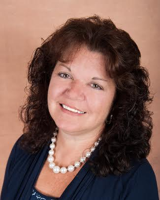 Linda Domingos, Realtor