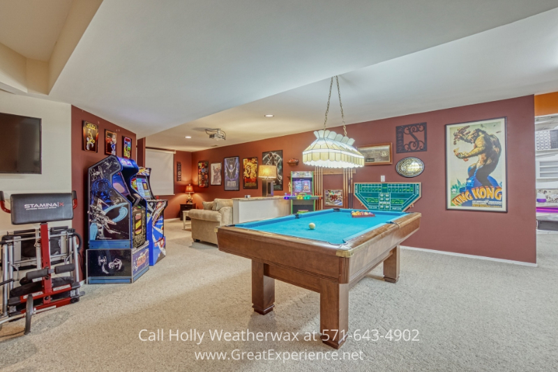 Real estate in Reston VA- This Reston VA lakefront home offers you the chance to entertain, relax, and live the lifestyle you long for.